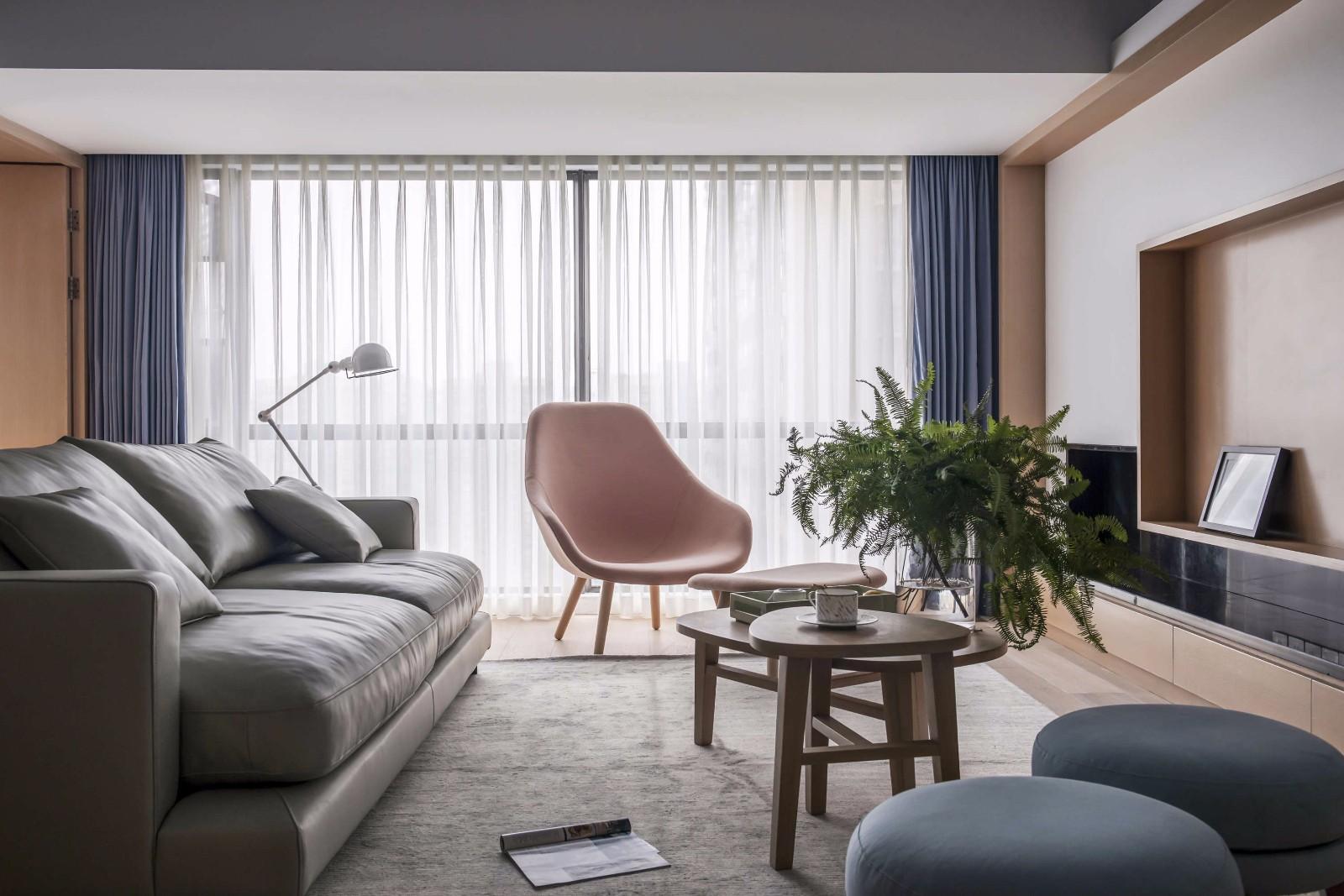 現代背景墻清新飄窗簡約客廳裝修